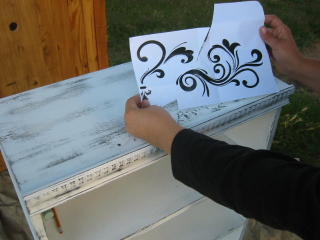 How to Transfer Graphics onto Furniture or Wood – Easy DIY